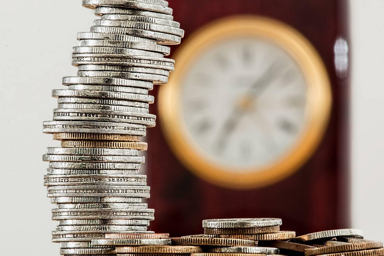 Kiedy biuro rachunkowe może korzystać ze zwolnienia z VAT?